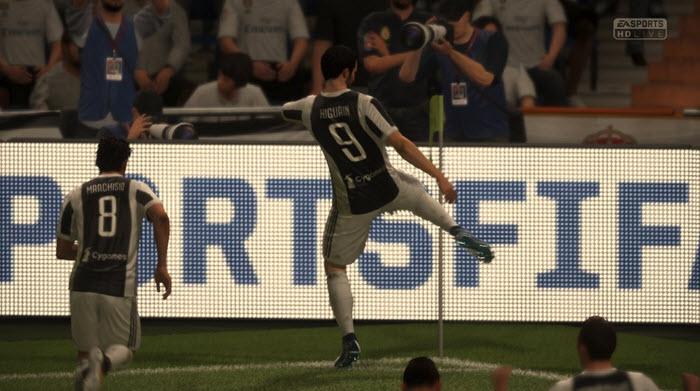 FIFA 18: по центру или по флангам?