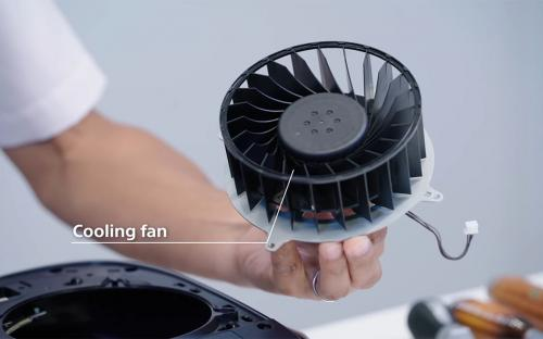 Эксперты спорят о шуме PlayStation 5. Оказалось, что в консолях разные вентиляторы