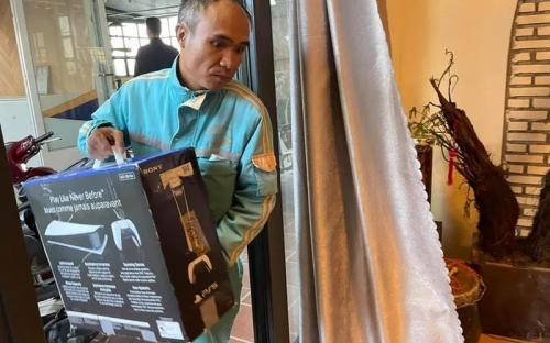 Геймер спрятал PS 5 от жены под видом роутера